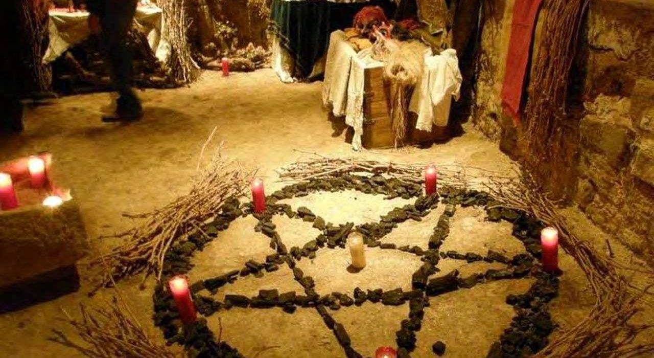 Pentagramme et bougies
